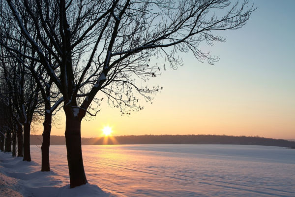 Winter sunset (photo by Paul Aniszewski from Shutterstock)