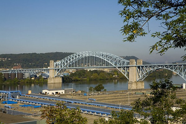 McKees Rocks Bridge (photo by Robert Strovers on Wikimedia Commons)