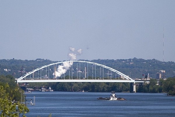 Neville Island I-79 Bridge (photo by Robert Stovers on Wikimedia Commons)