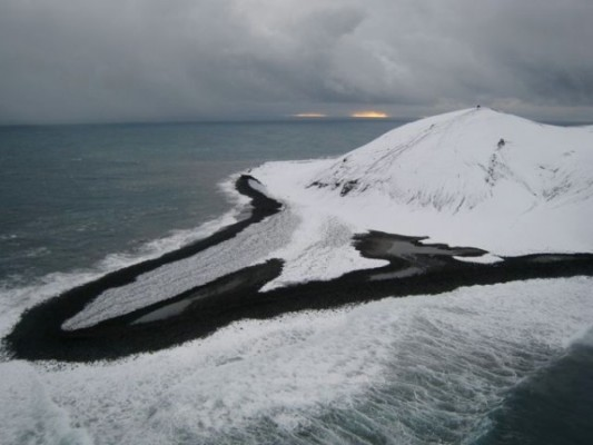 Surtsey Island, Jan 2009 (photo from Wikimedia Commons)