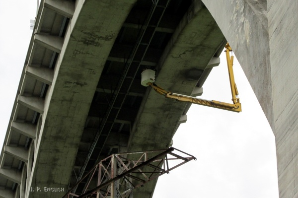 PGC & PennDOT look for the peregrines' nest at the Westinghouse Bridge, 20 May 2014 (photo by John English)