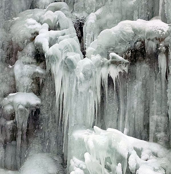 Icicles along the Butler-Freeport Trail near Monroe Road (photo by Kate St. John)