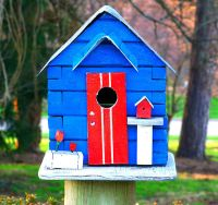 bird house (photo from Wiimedia Commons)
