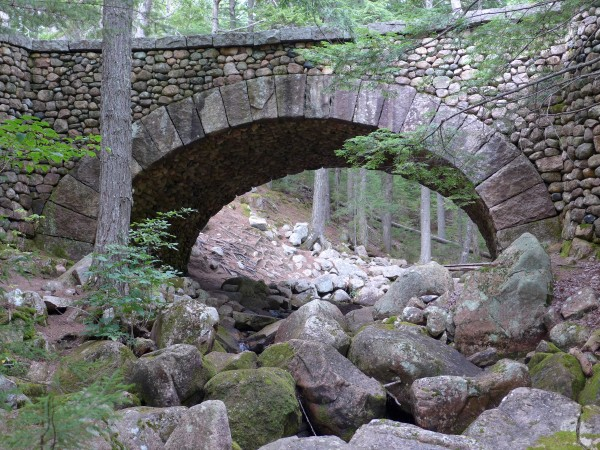 Cobblestone bridge carries a carriage path over Jordan Stream, September 2016 (photo by Kate St. John)