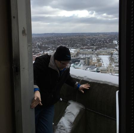 Bob returns from the ledge. The job took less than 3 minutes! (photo by Phil Hieber)